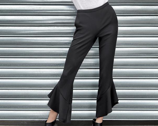 Pantaloni con balze e volant